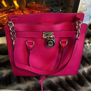 MICHAEL KORS HAMILTON LARGE NS TOTE in RASPBERRY